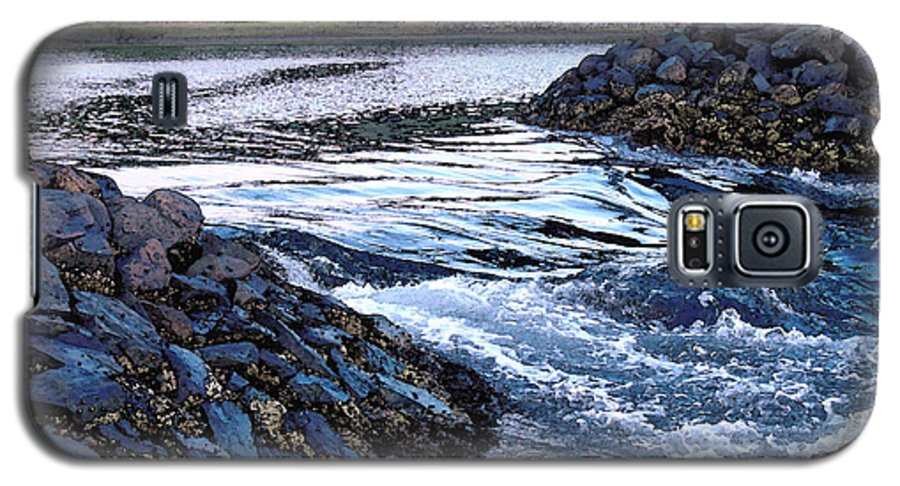 Water Galaxy S5 Case featuring the photograph Overflow by Suzanne Gaff