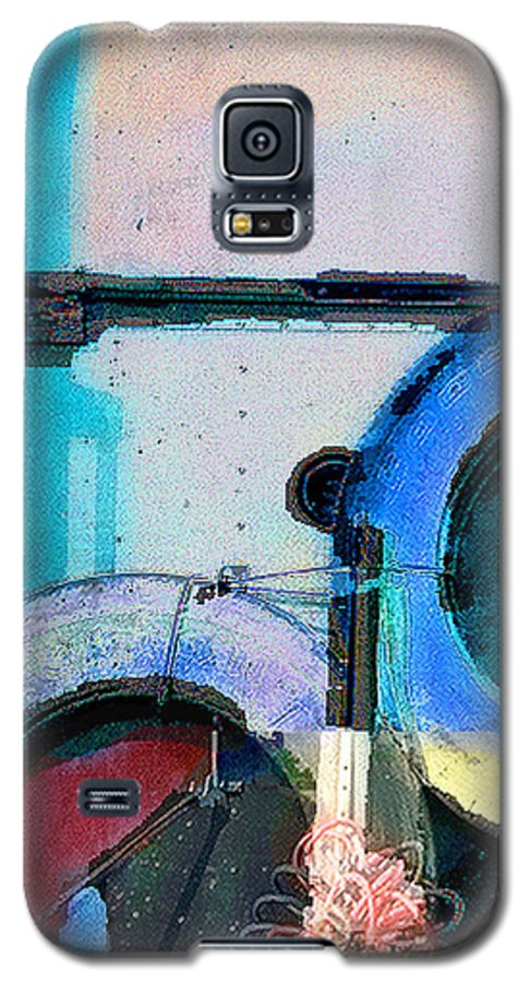 Abstract Galaxy S5 Case featuring the photograph panel three from Centrifuge by Steve Karol