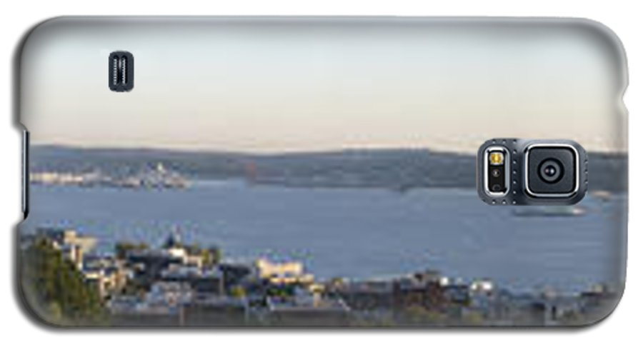 Panoramic Galaxy S5 Case featuring the photograph Panoramic Of Seattle by Larry Keahey
