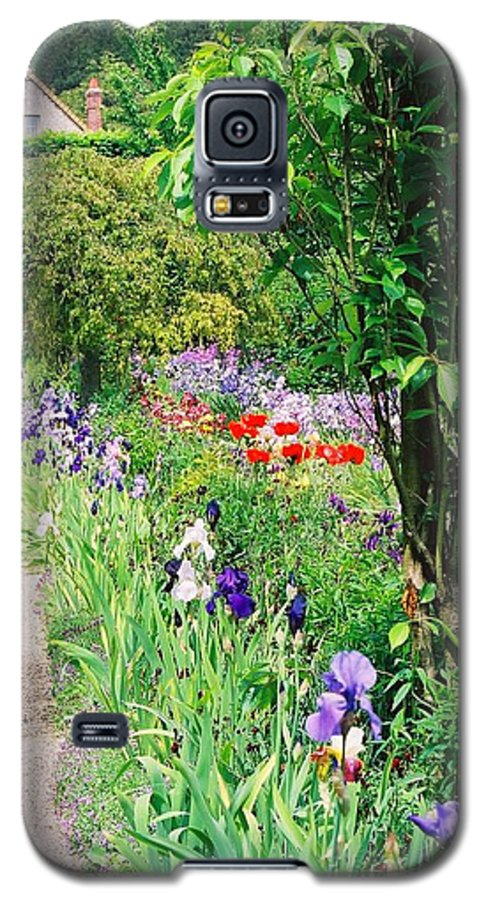 Claude Monet Galaxy S5 Case featuring the photograph Path To Monet's House by Nadine Rippelmeyer
