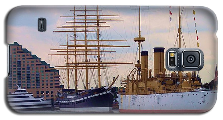 Philadelphia Galaxy S5 Case featuring the photograph Philadelphia Waterfront Olympia by Debbi Granruth