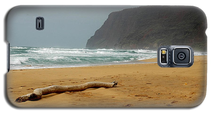 Beach Galaxy S5 Case featuring the photograph Polihale State Park by Kathy Schumann
