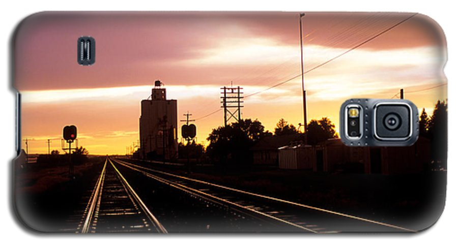 Potter Galaxy S5 Case featuring the photograph Potter Tracks by Jerry McElroy