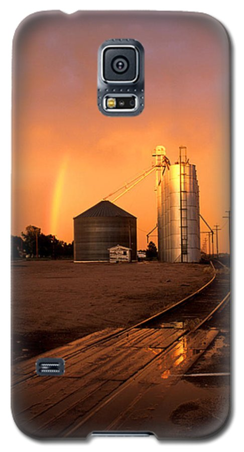 Potter Galaxy S5 Case featuring the photograph Rainbow In Potter by Jerry McElroy