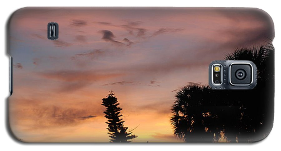Sunset Galaxy S5 Case featuring the photograph Rainbow Sunset by Rob Hans