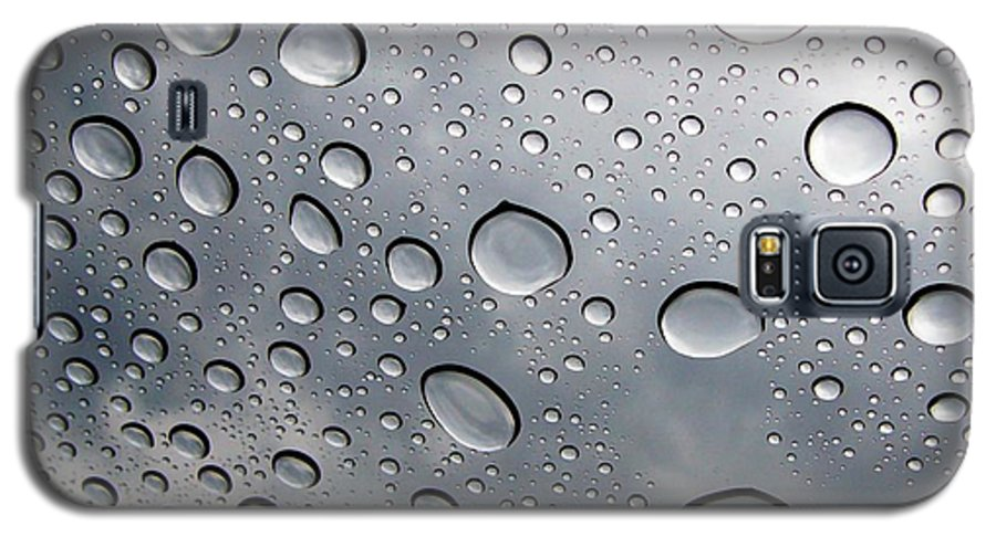 Rain Galaxy S5 Case featuring the photograph Raindrops by Kenna Westerman