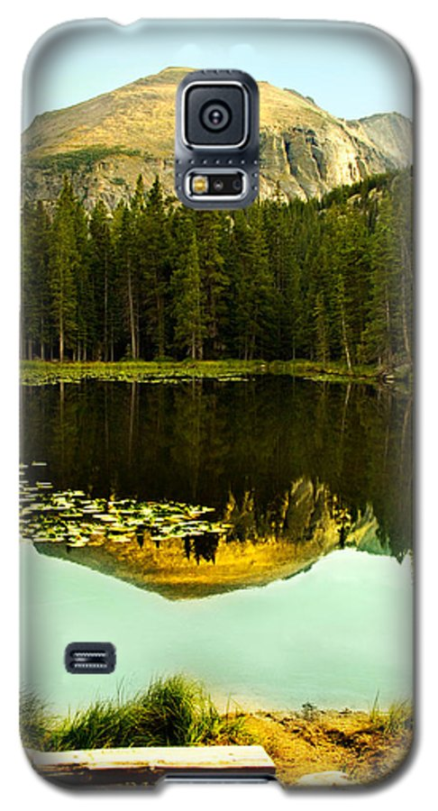 Reflection Galaxy S5 Case featuring the photograph Reflection by Marilyn Hunt