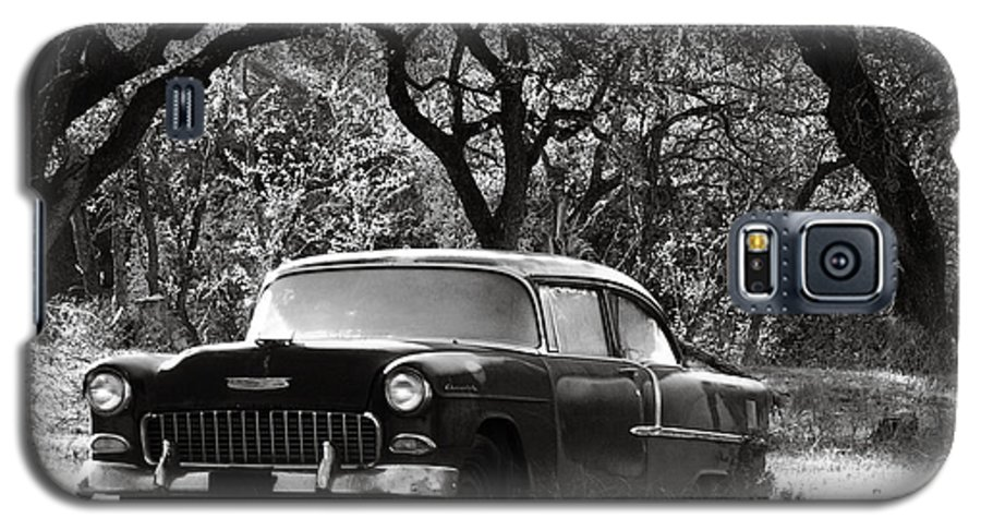 Americana Galaxy S5 Case featuring the photograph Resting Amongst The Oaks by Marilyn Hunt
