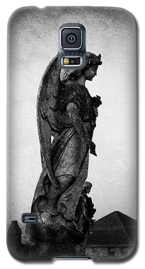 Roscommon Galaxy S5 Case featuring the photograph Roscommonn Angel No 4 by Teresa Mucha