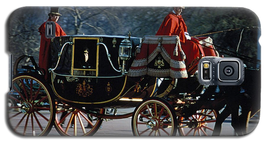 Coach Galaxy S5 Case featuring the photograph Royal Carriage In London by Carl Purcell