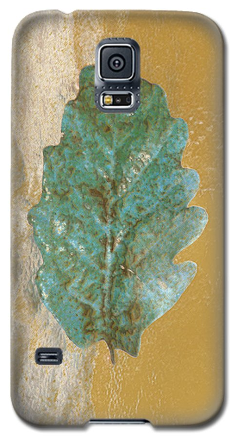 Leaves Galaxy S5 Case featuring the photograph Rustic Leaf by Linda Sannuti