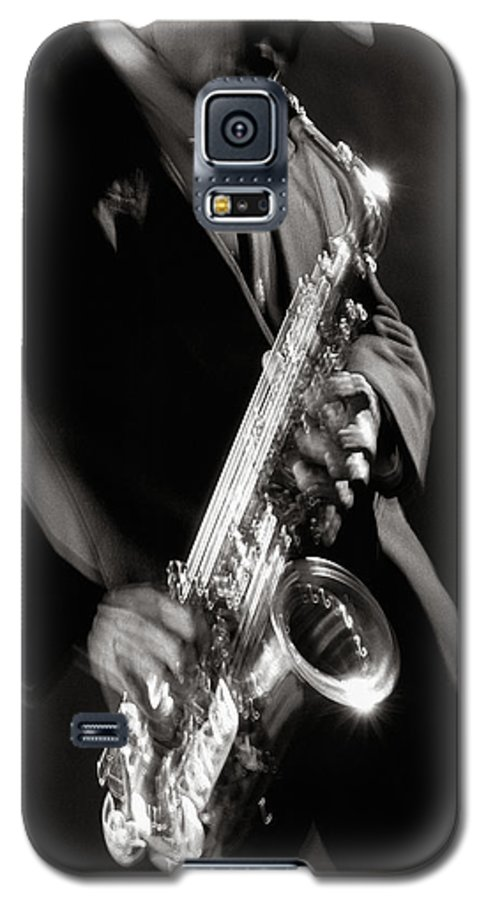 Sax Galaxy S5 Case featuring the photograph Sax Man 1 by Tony Cordoza