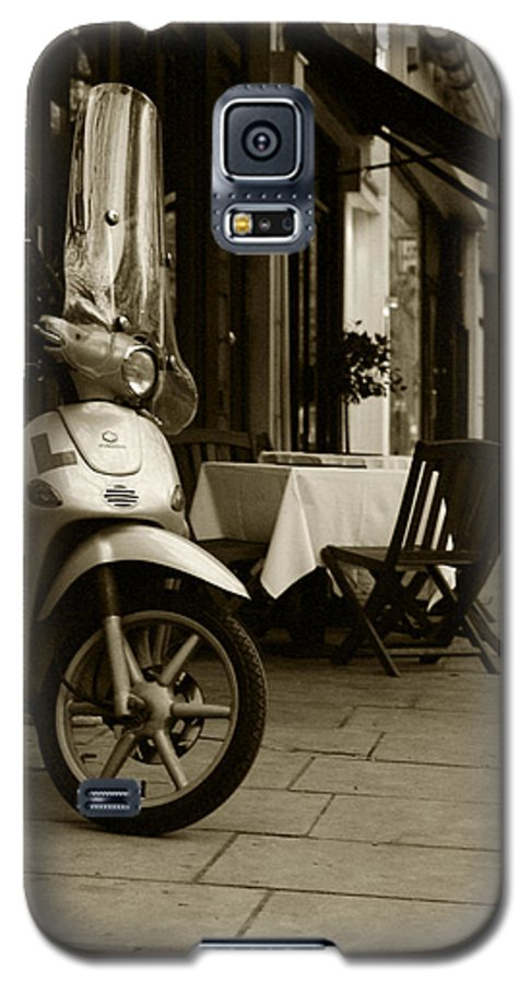 Scooter Galaxy S5 Case featuring the photograph Scooter Cafe by Ayesha Lakes