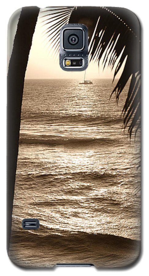 Hawaii Galaxy S5 Case featuring the photograph Ship In Sunset by Marilyn Hunt