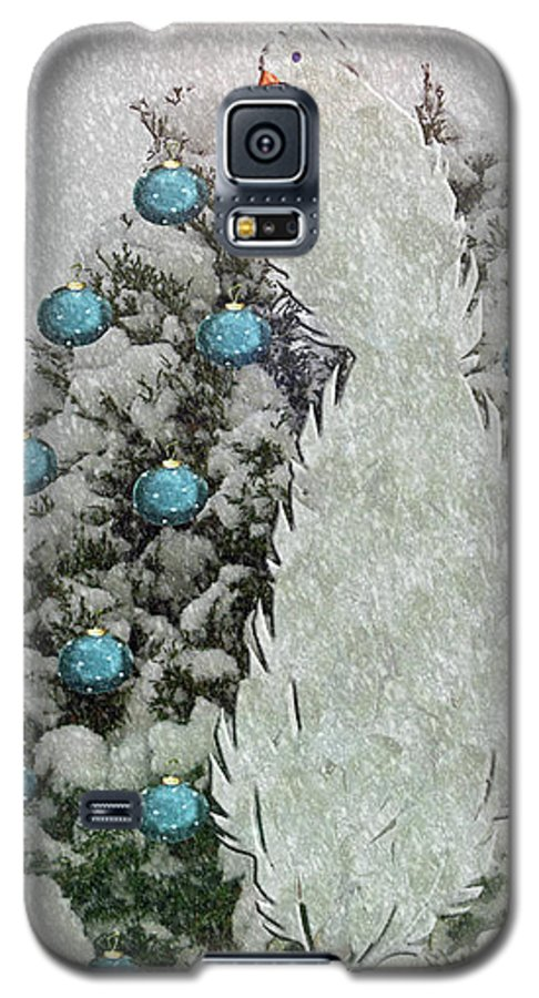 Silver Galaxy S5 Case featuring the photograph Silver Winter Bird by Rockin Docks Deluxephotos