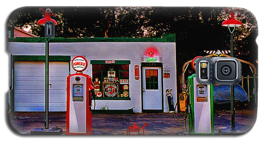 Gas Station Galaxy S5 Case featuring the photograph Sinclair by Steve Karol