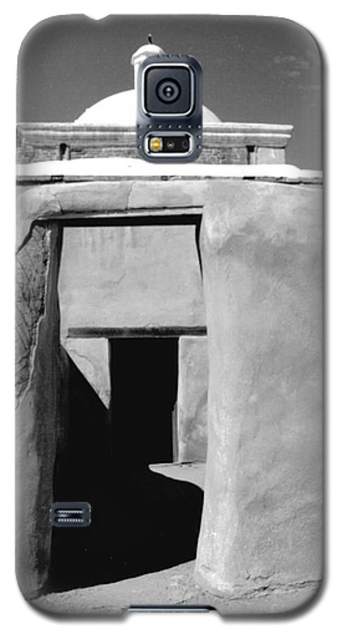 Shadows Galaxy S5 Case featuring the photograph Sol Y Sombra by Kathy McClure