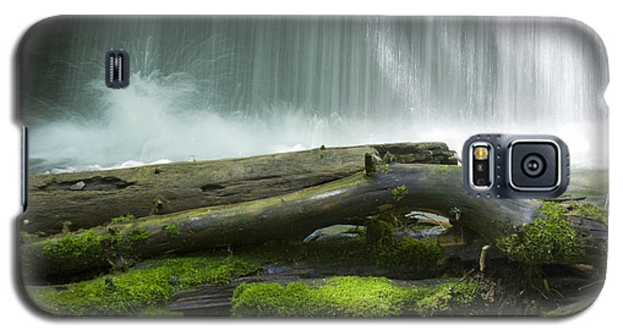 Idaho Galaxy S5 Case featuring the photograph Splash by Idaho Scenic Images Linda Lantzy