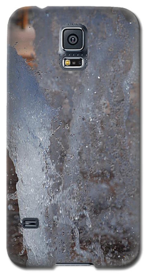 Water Galaxy S5 Case featuring the photograph Splash by Rob Hans
