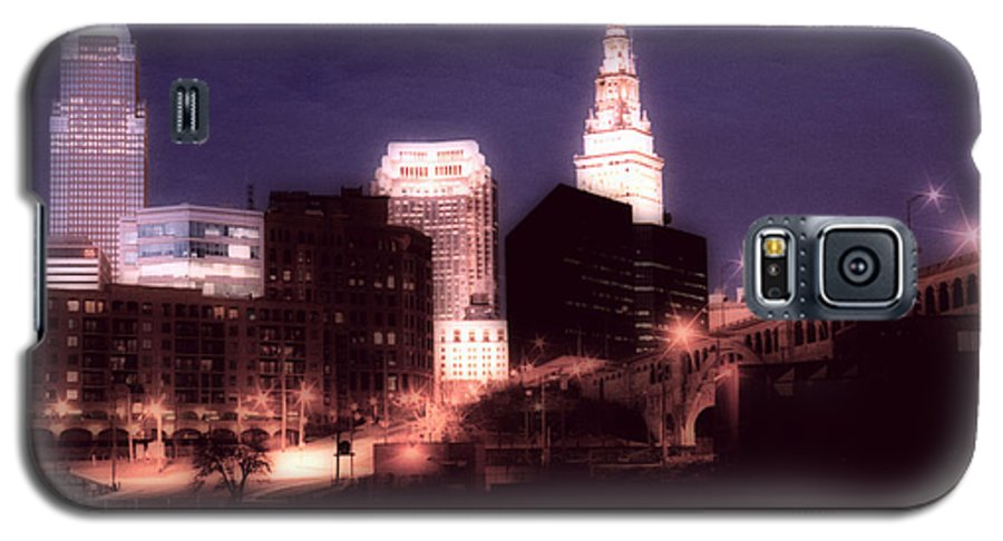 Cleveland Galaxy S5 Case featuring the photograph Standing Tall by Kenneth Krolikowski
