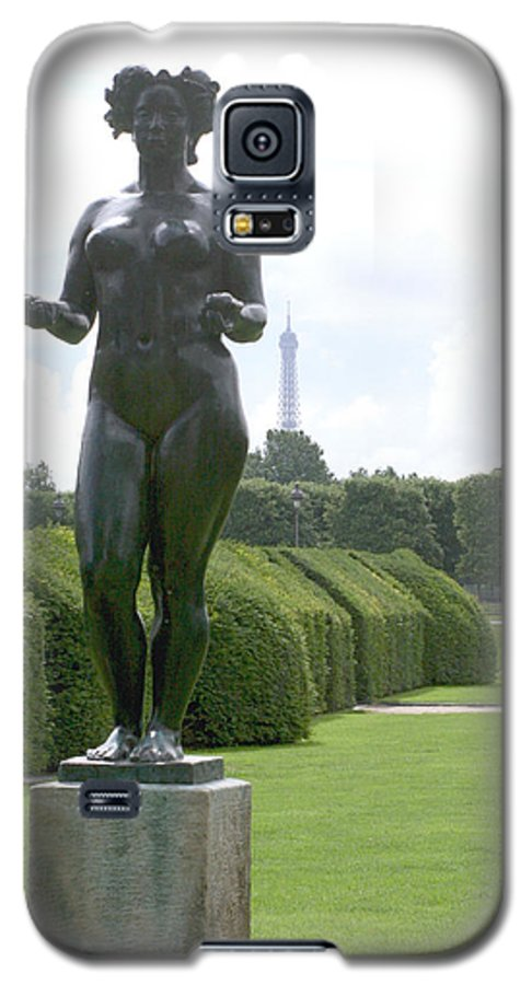 Statue Galaxy S5 Case featuring the photograph Statues At The Louvre by Greg Sharpe