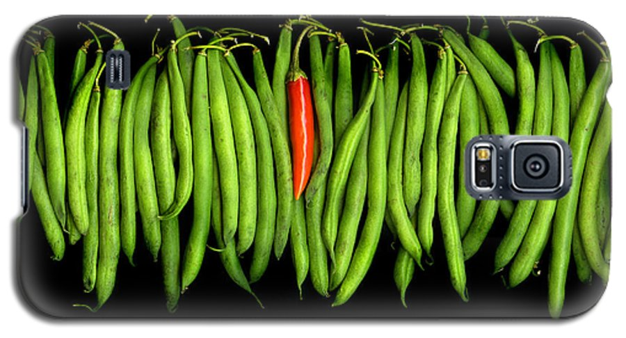 Culinary Galaxy S5 Case featuring the photograph Stringbeans And Chilli by Christian Slanec