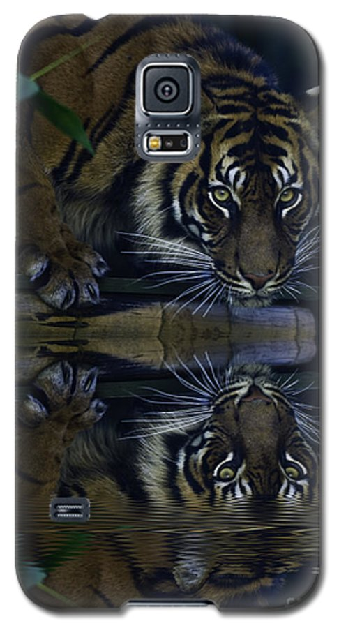 Sumatran Tiger Galaxy S5 Case featuring the photograph Sumatran Tiger Reflection by Sheila Smart Fine Art Photography