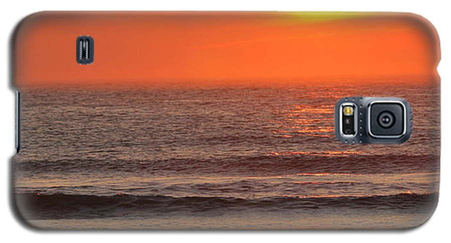 Ocean Galaxy S5 Case featuring the photograph Sunrise On The Oceanside by Max Allen