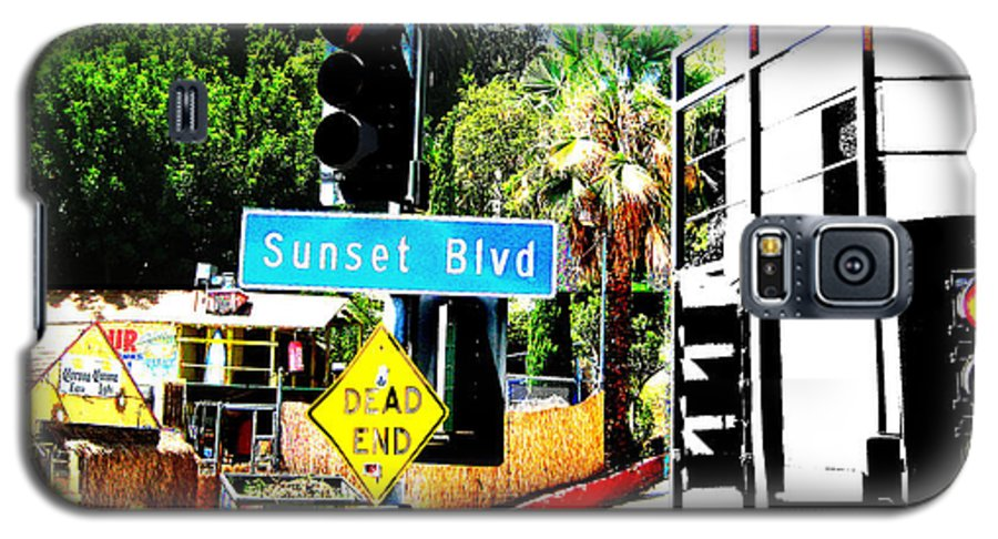 Stoplight On Sunset Blvd Galaxy S5 Case featuring the digital art Sunset Blvd by Maria Kobalyan