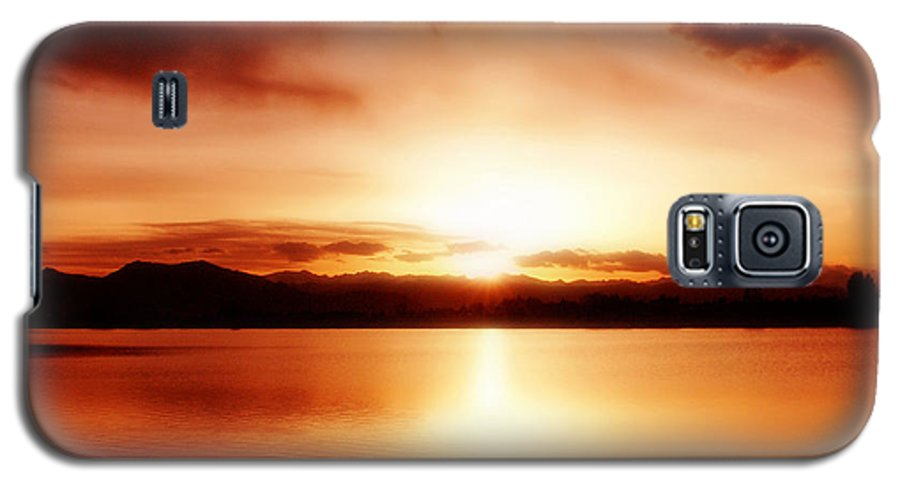 Lake Galaxy S5 Case featuring the photograph Sunset by Marilyn Hunt