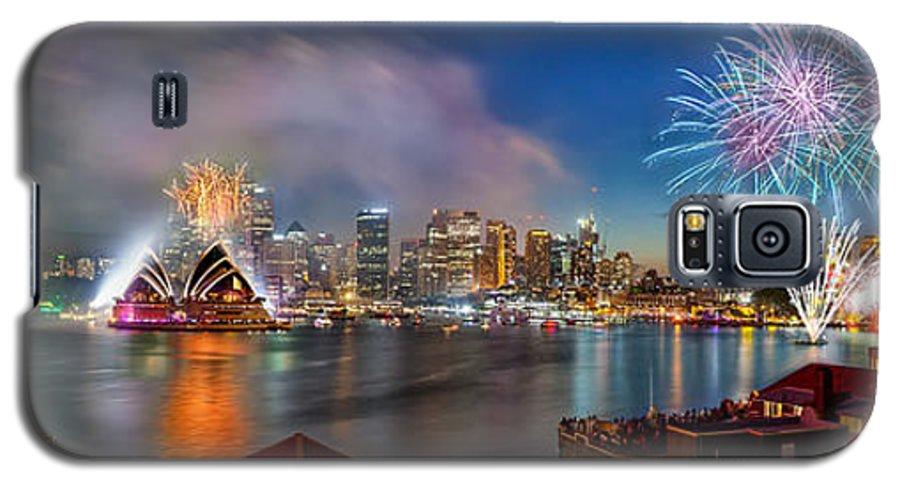 Sydney Galaxy S5 Case featuring the photograph Sydney Sparkles by Az Jackson