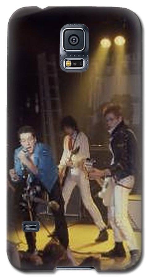 The Clash-london 1978 Photo By Dawn Wirth-copyrighted Galaxy S5 Case featuring the photograph The Clash-london - July 1978 by Dawn Wirth