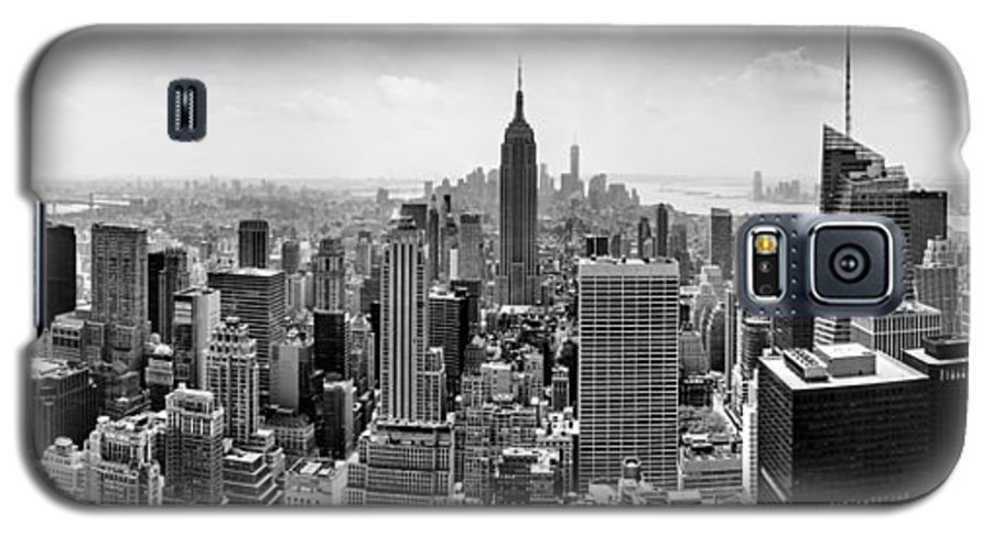 Empire State Building Galaxy S5 Case featuring the photograph New York City Skyline Bw 2 by Az Jackson