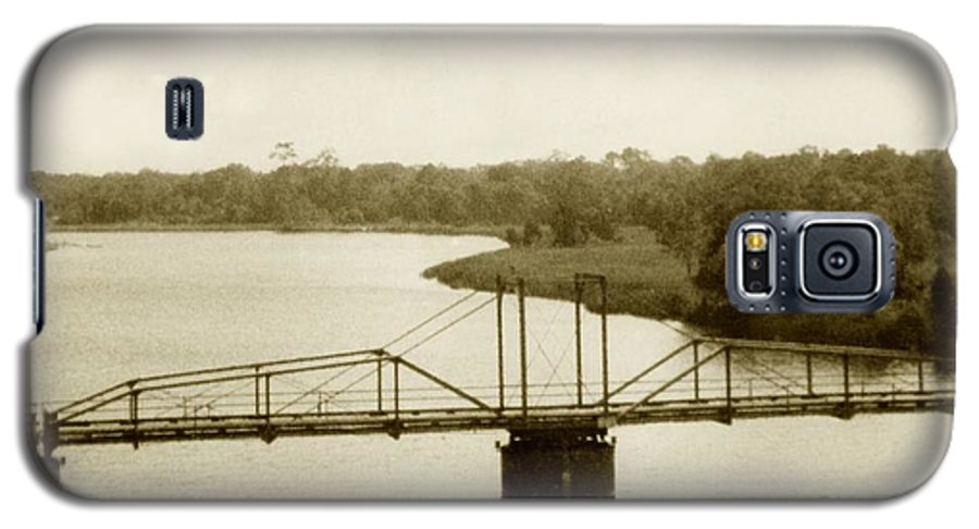 River Galaxy S5 Case featuring the painting The Old Bridge by Debbie May