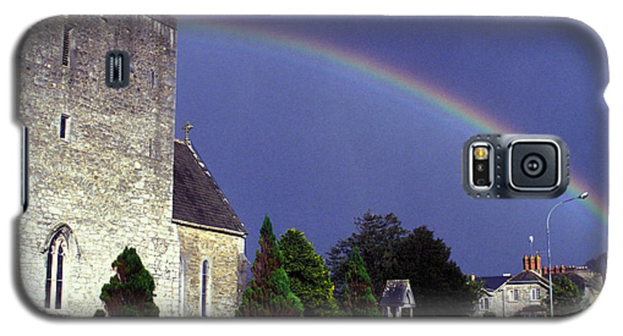 Rain Galaxy S5 Case featuring the photograph The Perfect Rainbow by Carl Purcell