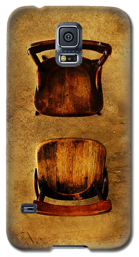 Dipasquale Galaxy S5 Case featuring the photograph The Space Between You And Me by Dana DiPasquale