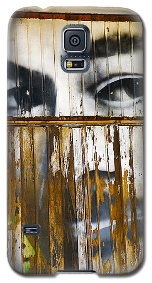 Escondido Galaxy S5 Case featuring the photograph The Walls Have Eyes by Skip Hunt