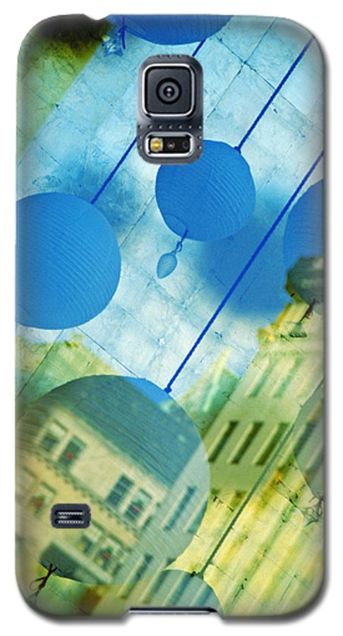 New York Galaxy S5 Case featuring the photograph Tiffanys by Skip Hunt