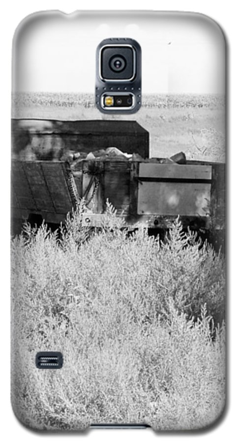 Farm Galaxy S5 Case featuring the photograph Trash Truck by Margaret Fortunato