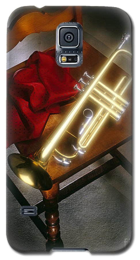Trumpet Galaxy S5 Case featuring the photograph Trumpet On Chair by Tony Cordoza