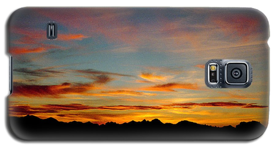 Arizona Sunset Galaxy S5 Case featuring the photograph Usery Sunset by Randy Oberg