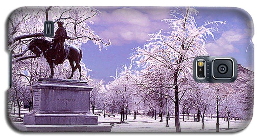 Landscape Galaxy S5 Case featuring the photograph Washington Square Park by Steve Karol