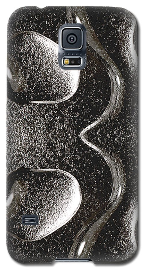 Water Galaxy S5 Case featuring the photograph Waterdrop 1 by Nancy Mueller