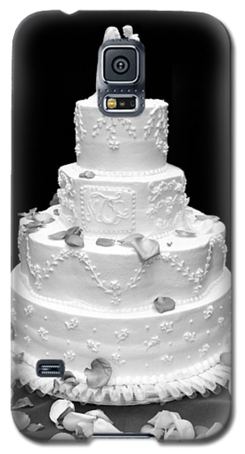Wedding Galaxy S5 Case featuring the photograph Wedding Cake by Marilyn Hunt