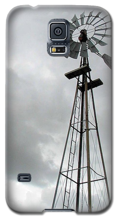 Windmill Galaxy S5 Case featuring the photograph Windmill by Margaret Fortunato