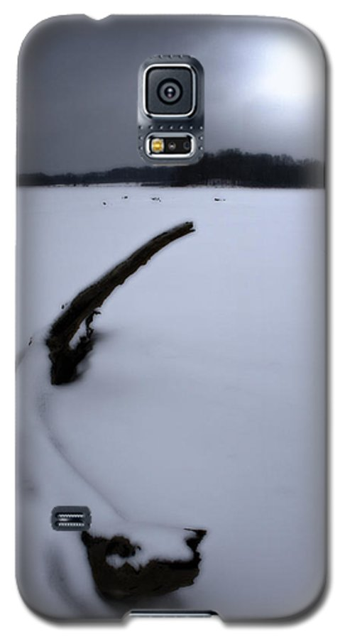 Winter Galaxy S5 Case featuring the photograph Winter Moonrise by Kenneth Krolikowski