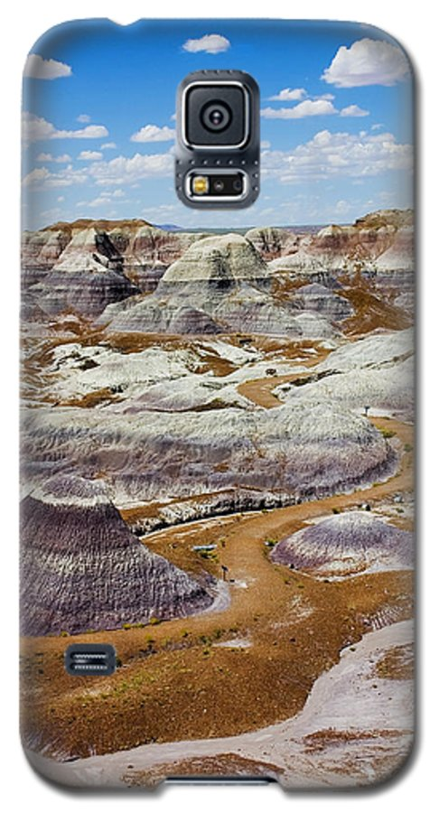 Painted Desert Galaxy S5 Case featuring the photograph Yea Though I Walk by Skip Hunt