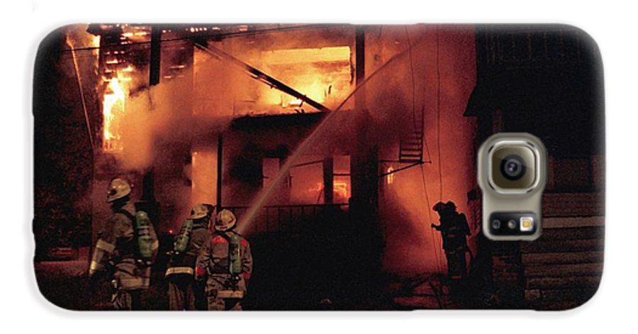 Fire Galaxy S6 Case featuring the photograph 071506-4 Cleveland Firefighters On The Job by Mike Davis