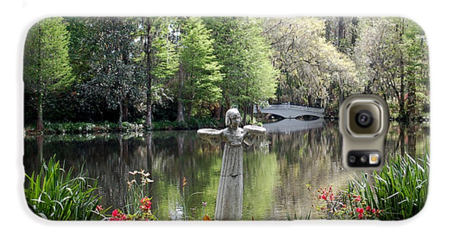 Bird Girl Galaxy S6 Case featuring the photograph Bird Girl Of Magnolia Plantation Gardens by Suzanne Gaff