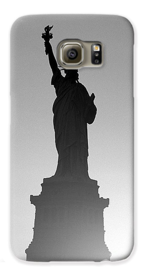 Statue Of Liberty Galaxy S6 Case featuring the photograph Statue Of Liberty by Tony Cordoza